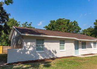 Foreclosed Home in Apopka 32703 ELDERTON DR - Property ID: 4435722847