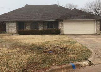 Foreclosed Home in Oklahoma City 73132 CHEYENNE CT - Property ID: 4435860363