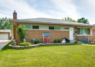 Foreclosed Home in Saint Clair Shores 48082 RECREATION ST - Property ID: 4435881384