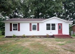 Foreclosed Home in Clarksville 37042 CASKEY DR - Property ID: 4435906346
