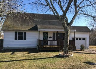 Foreclosed Home in Jackson 08527 WYOMING DR - Property ID: 4435952329