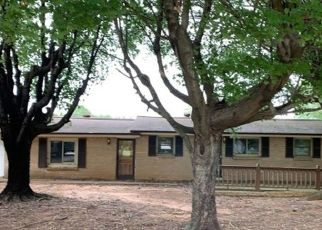 Foreclosed Home in Statesville 28677 WHITES MILL RD - Property ID: 4435978169