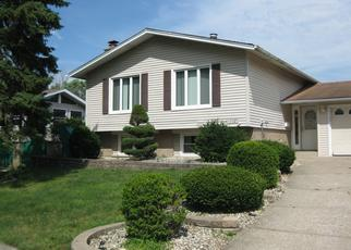Foreclosed Home in Oak Forest 60452 OROGRANDE DR - Property ID: 4436043882