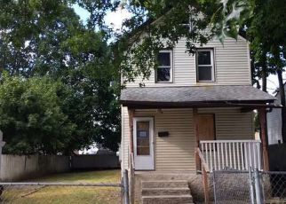 Foreclosed Home in Hempstead 11550 CORNELL ST - Property ID: 4436121840