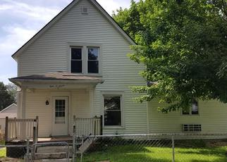 Foreclosed Home in Cedar Rapids 52404 7TH AVE SW - Property ID: 4436167375