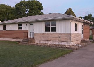 Foreclosed Home in Palo 52324 DRAKE DR - Property ID: 4436177903