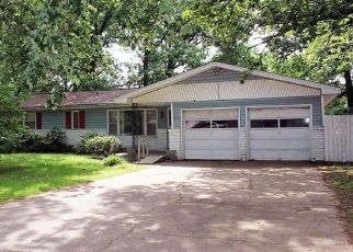 Foreclosed Home in Springfield 65804 S SAINT CHARLES AVE - Property ID: 4436221248