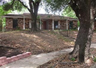 Foreclosed Home in Garland 75043 GATE RIDGE CIR - Property ID: 4436366662