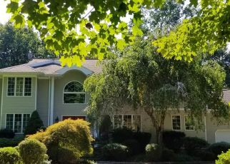 Foreclosed Home in Shelton 06484 ROCK RIDGE RD - Property ID: 4436900103