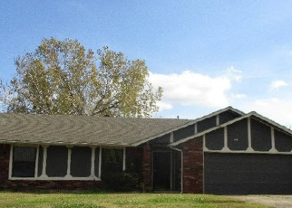 Foreclosed Home in Broken Arrow 74011 W DURHAM ST - Property ID: 4436968883