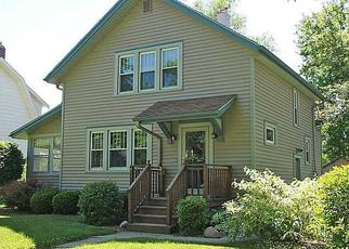 Foreclosed Home in Cedar Rapids 52402 E AVE NE - Property ID: 4437001278