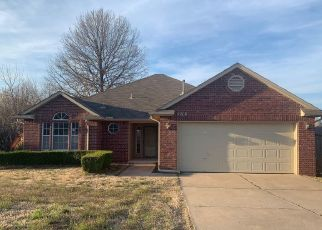 Foreclosed Home in Broken Arrow 74011 W DURHAM PL - Property ID: 4437277201