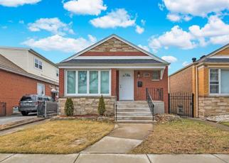 Foreclosed Home in Chicago 60617 S CREGIER AVE - Property ID: 4437291214