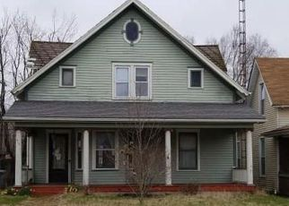Foreclosed Home in Seymour 47274 S CHESTNUT ST - Property ID: 4437494890
