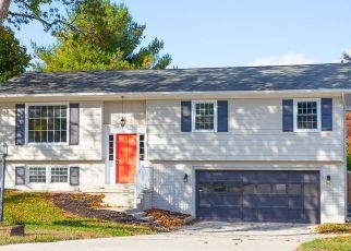 Foreclosed Home in Newburgh 47630 OUTER LINCOLN AVE - Property ID: 4437504970