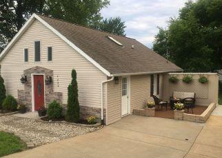 Foreclosed Home in Newburgh 47630 BROSEND LN - Property ID: 4437505389