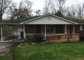 Foreclosed Home in Crossville 38572 PAWNEE RD - Property ID: 4437632404