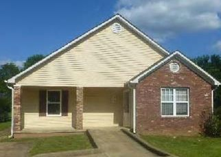 Foreclosed Home in Jackson 38301 PHILLIPS ST - Property ID: 4437634594