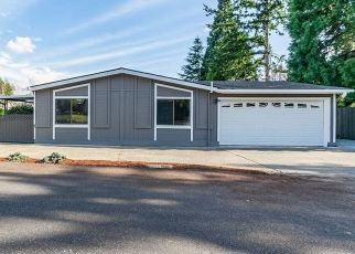 Foreclosed Home in Kent 98030 118TH PL SE - Property ID: 4437840440