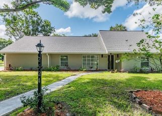 Foreclosed Home in Tampa 33618 LAKE ELLEN DR - Property ID: 4437905254