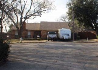 Foreclosed Home in Arlington 76014 KILLALA CT - Property ID: 4438004683