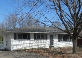 Foreclosed Home in Mound 55364 MANCHESTER RD - Property ID: 4438111102