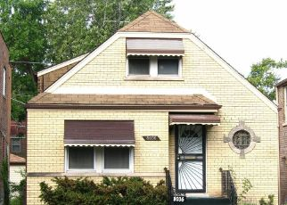 Foreclosed Home in Chicago 60617 S JEFFERY BLVD - Property ID: 4438501787
