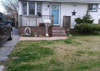 Foreclosed Home in Lindenhurst 11757 E KISSIMEE RD - Property ID: 4438584557