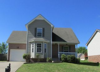 Foreclosed Home in Clarksville 37040 CENTERSTONE CIR - Property ID: 4438748358