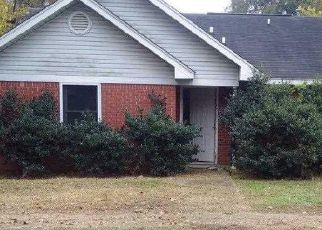 Foreclosed Home in Fairfield 35064 55TH ST - Property ID: 4438749682