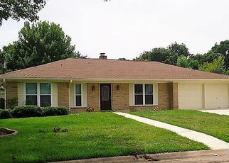 Foreclosed Home in Dickinson 77539 GREEN WILLOW LN - Property ID: 4438892454