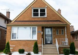 Foreclosed Home in Chicago 60617 S STATE LINE RD - Property ID: 4439088218