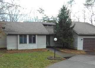 Foreclosed Home in Crossville 38558 WINSLOW LN - Property ID: 4439125457