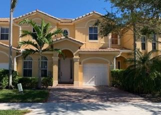 Foreclosed Home in Miami 33186 SW 137TH PL - Property ID: 4439157880