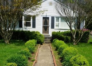 Foreclosed Home in Eatontown 07724 MEADOWBROOK AVE - Property ID: 4439205608