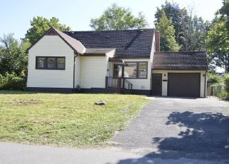 Foreclosed Home in Schenectady 12304 FENWICK AVE - Property ID: 4439223114