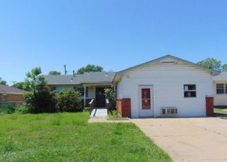 Foreclosed Home in Ponca City 74601 BRADBARY LN - Property ID: 4439266485