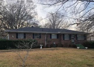 Foreclosed Home in Gardendale 35071 COLONIAL AVE - Property ID: 4439321672
