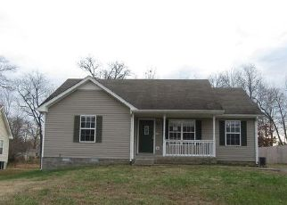 Foreclosed Home in Clarksville 37040 CANEY LN - Property ID: 4439456569