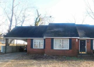 Foreclosed Home in Jackson 38301 RUSSELL RD - Property ID: 4439907235