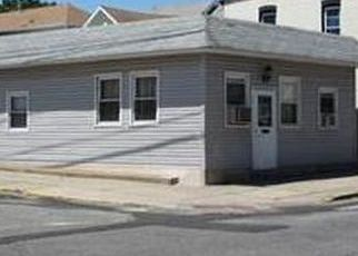 Foreclosed Home in Perth Amboy 08861 HALL AVE - Property ID: 4439957613
