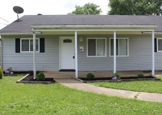 Foreclosed Home in Louisville 40272 NATHAN HALE WAY - Property ID: 4439999207