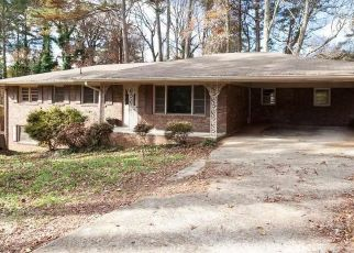 Foreclosed Home in Austell 30168 S DILLON RD - Property ID: 4440012798