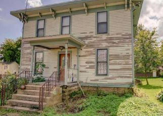 Foreclosed Home in Stoughton 53589 W MAIN ST - Property ID: 4440068411