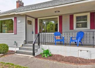 Foreclosed Home in Spokane 99206 N LOCUST RD - Property ID: 4440136296
