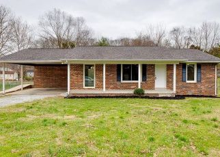 Foreclosed Home in Clarksville 37042 TAFT DR - Property ID: 4440142882