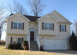 Foreclosed Home in Clarksville 37042 MARCY CT - Property ID: 4440178794