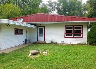 Foreclosed Home in Peoria 61604 W ALICE AVE - Property ID: 4440276905