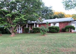 Foreclosed Home in Kodak 37764 JOYCE WAY - Property ID: 4440469152
