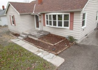 Foreclosed Home in Beech Grove 46107 N 14TH AVE - Property ID: 4440480551